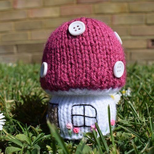 Makerist - Toadstool Cottage - Knitting Showcase - 3