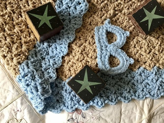 Makerist - The Baby Beau Blanket  - Crochet Showcase - 1