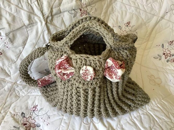Makerist - The Paris Toile Tote Bag  - Crochet Showcase - 3