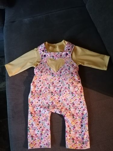 Makerist - Baby Pulli + Latzhose  - Nähprojekte - 1