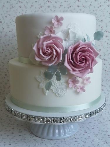 Makerist - Kleine Hochzeitstorte für meine liebe Kollegin Andrea - Torten, Cake Pops und Cupcakes - 1