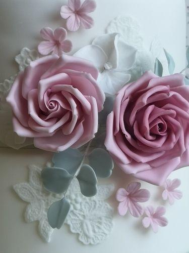 Makerist - Kleine Hochzeitstorte für meine liebe Kollegin Andrea - Torten, Cake Pops und Cupcakes - 2
