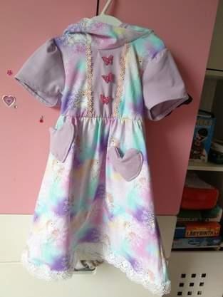 Zwergenkleid für die Prinzessin im Haus