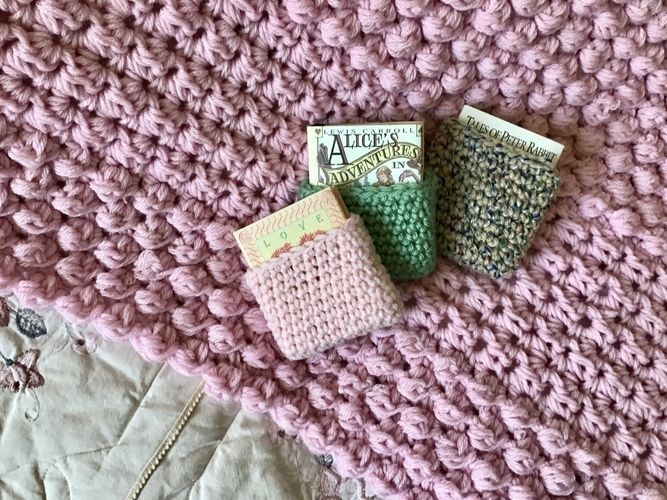 Makerist - Pink Blush Berry Blanket  - Crochet Showcase - 2