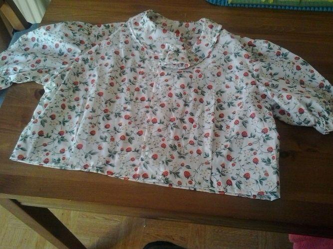 Makerist - bluse mit erdbeeren  - Nähprojekte - 1