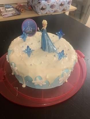 Makerist - Elsa Torte für den 4.Geburtstag - 1