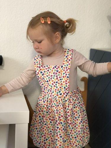 Makerist - Herzchen Latzrock aus Baumwollstoff für meine Tochter  - Nähprojekte - 1