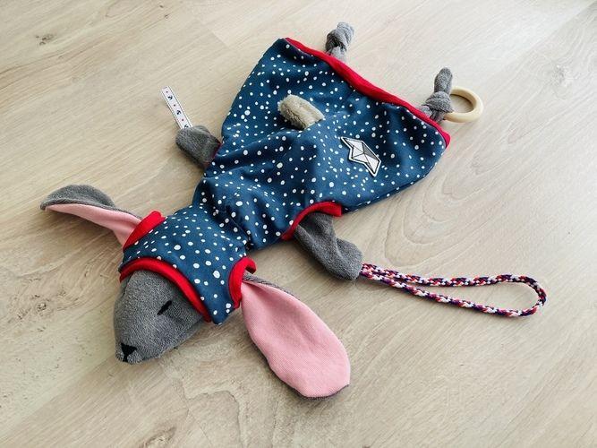 Makerist - Hoodiehase - Schnullertierchen mit passender Pumphose und Mütze - Nähprojekte - 1