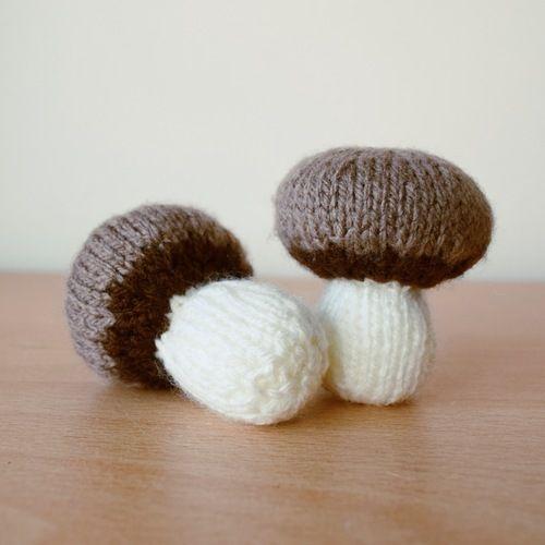 Makerist - Chestnut Mushrooms - Knitting Showcase - 3