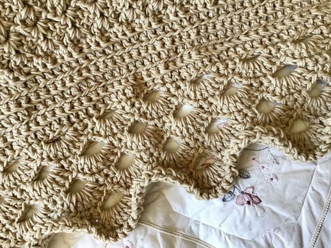 Makerist - The Coach House Throw - Crochet Showcase - 2