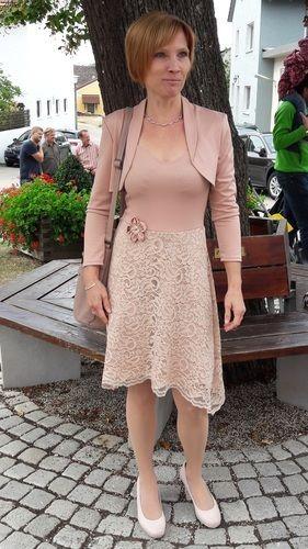 Makerist - Kleid Ella als Hochzeitsgast und Faschingsbiene  - Nähprojekte - 1