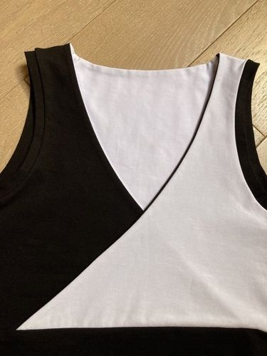 Makerist - Top taille S en jersey bi-color avec le patron de Madame Luise - #makeristalamaison - 3