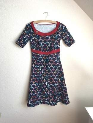 "Makerist - Kleid ""Swing"" aus Sommersweat Gr. 36 - 1"