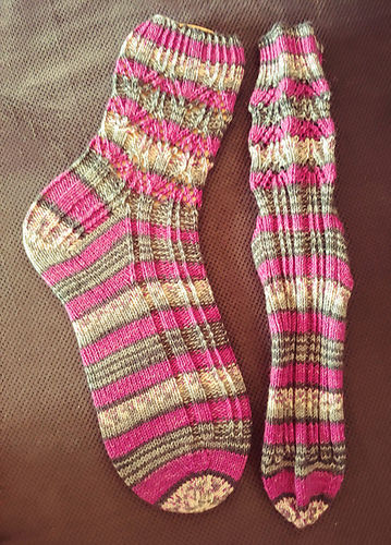"Makerist - Socken ""Hector"" - Strickprojekte - 2"