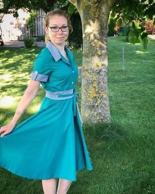 50s Kleid mit abgesetzten Details