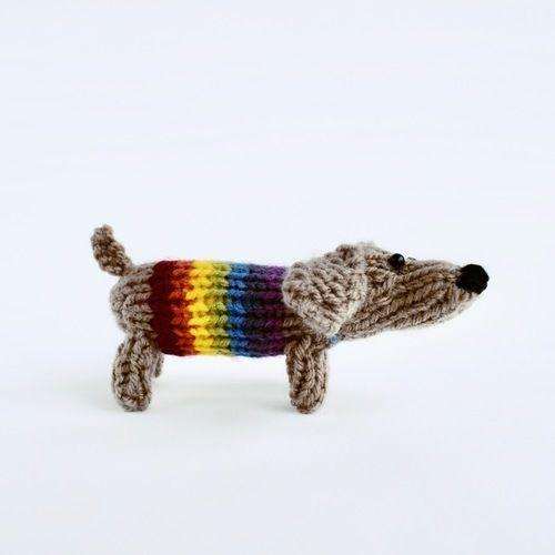 Makerist - Small Sausage Dog - Knitting Showcase - 2