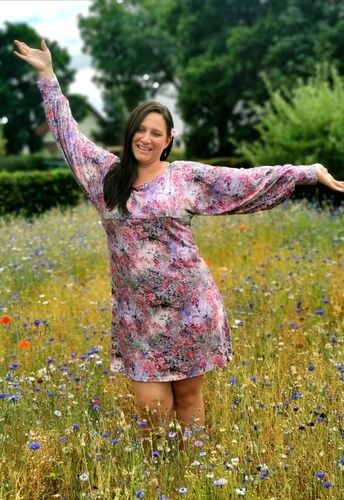 Makerist - Blumiges Herbstkleid Lilly aus Viskosejersey  - Nähprojekte - 1