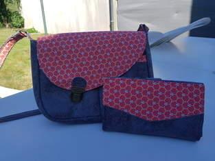 Makerist - Besace Tairie, simili cuir gris brillant et coton ton rouge - 1