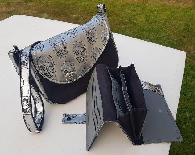 Makerist - Besace Tairie, simili cuir Skull et suédine noire pour l'extérieur et  coton gris dedans - Créations de couture - 3