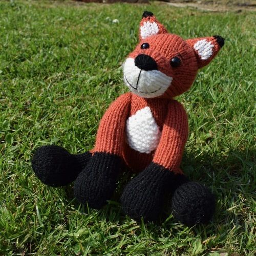 Makerist - Cubby the Fox - Knitting Showcase - 1
