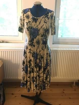 Kleid aus Bi-Stretch