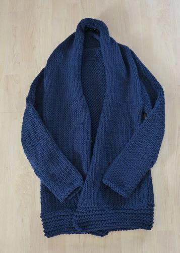 Makerist - So sieht meine erste Strickjacke aus Schurwolle aus - Strickprojekte - 1
