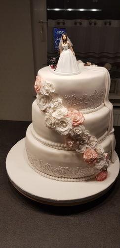 Makerist - Hochzeitstorte für mein Bruder - Torten, Cake Pops und Cupcakes - 2