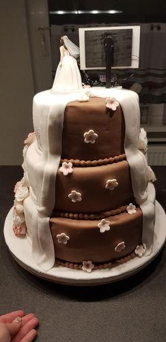 Makerist - Hochzeitstorte für mein Bruder - Torten, Cake Pops und Cupcakes - 3
