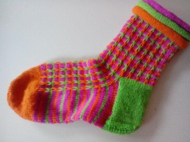 Makerist - fröhliche Socken :-)  - Strickprojekte - 1
