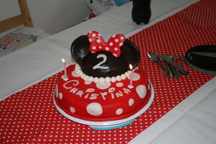 Makerist - Für meine kleine Minnie Mouse zum 2. Geburtstag - Torten, Cake Pops und Cupcakes - 2