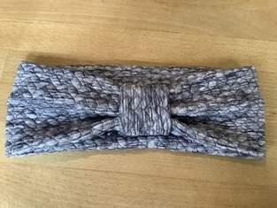 Makerist - Kuscheliges Stirnband mit Knoten - 1