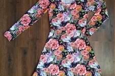 """Makerist - Robe bleue fleurie avec des licornes (""""Robe Mia"""" de chez L'Usine à Bulles) - 1"""