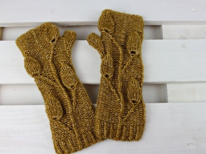 "Makerist - Fingerless Gloves ""Golden Leaves"" - Knitting Showcase - 1"