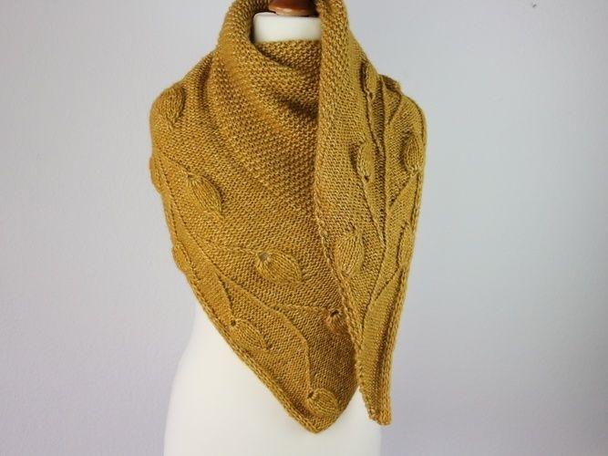 Makerist - Golden Leaves Shawl - Knitting Showcase - 1