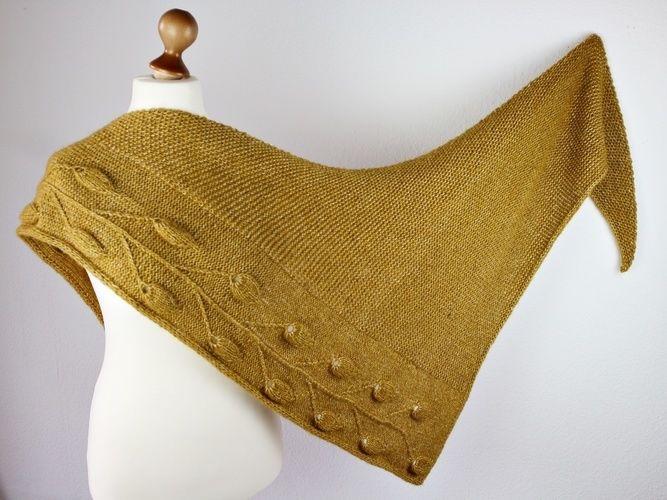 Makerist - Golden Leaves Shawl - Knitting Showcase - 3