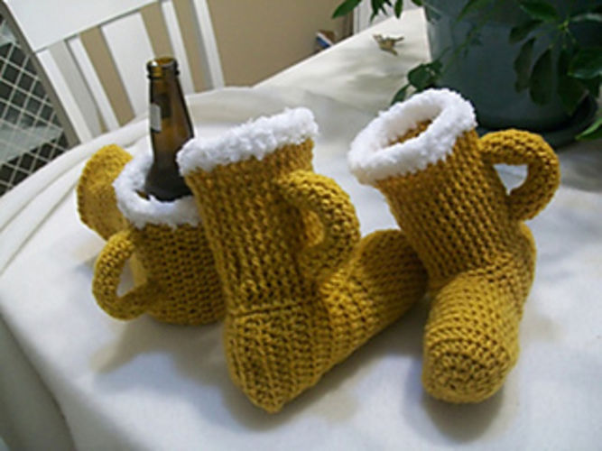 Makerist - Beer Slippers & MItt - Crochet Showcase - 1