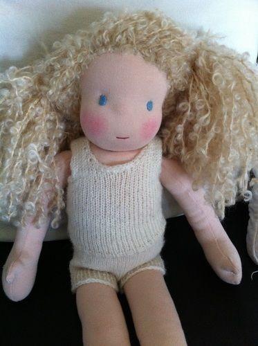 Makerist - Puppe mit Herz und Schafwolle - Nähprojekte - 1