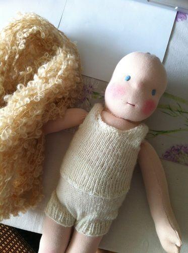 Makerist - Puppe mit Herz und Schafwolle - Nähprojekte - 2