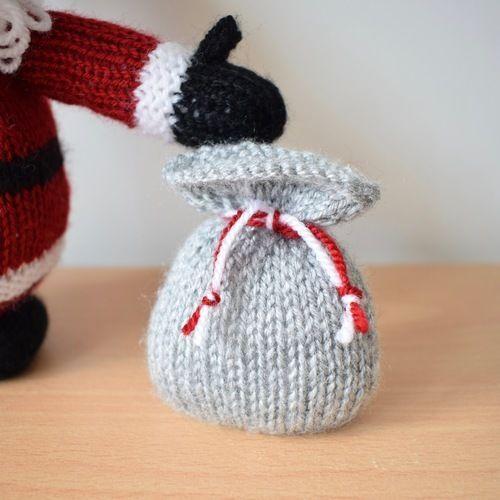 Makerist - Cuddly Santa - Knitting Showcase - 3