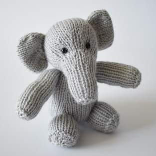 Makerist - Eric the Elephant - 1
