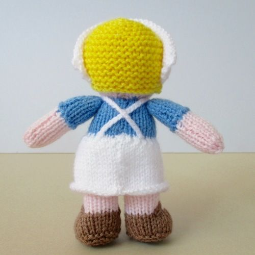 Makerist - Nurse Wendy - Knitting Showcase - 3