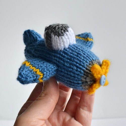 Makerist - Dinky Plane - Knitting Showcase - 1