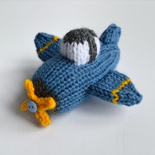 Makerist - Dinky Plane - Knitting Showcase - 2