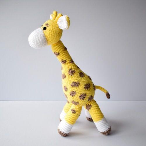 Makerist - Giraffe toy - Knitting Showcase - 1