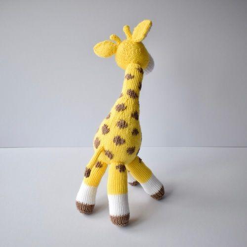 Makerist - Giraffe toy - Knitting Showcase - 2
