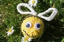 Makerist - Dizzy Bee - 1