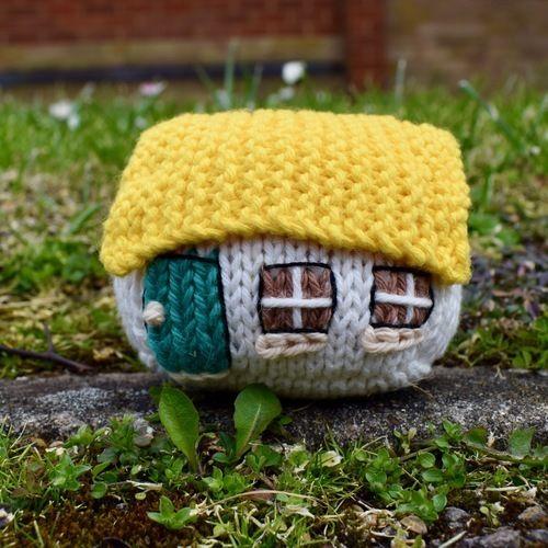 Makerist - Itsy Bitsy Houses - Knitting Showcase - 1