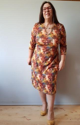 """Makerist - Kleid Samba mit """"besonderem"""" Ausschnitt - Nähprojekte - 1"""