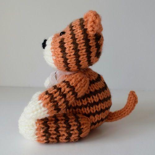 Makerist - Tickles the Tiger - Knitting Showcase - 2