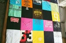 Makerist - Upcycling Tagesdecke aus alten T-Shirts  - 1